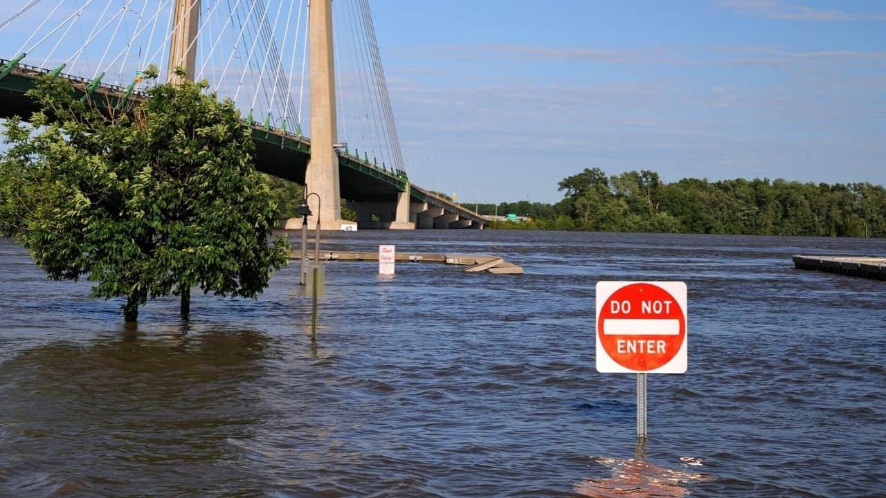 river flooding near homes